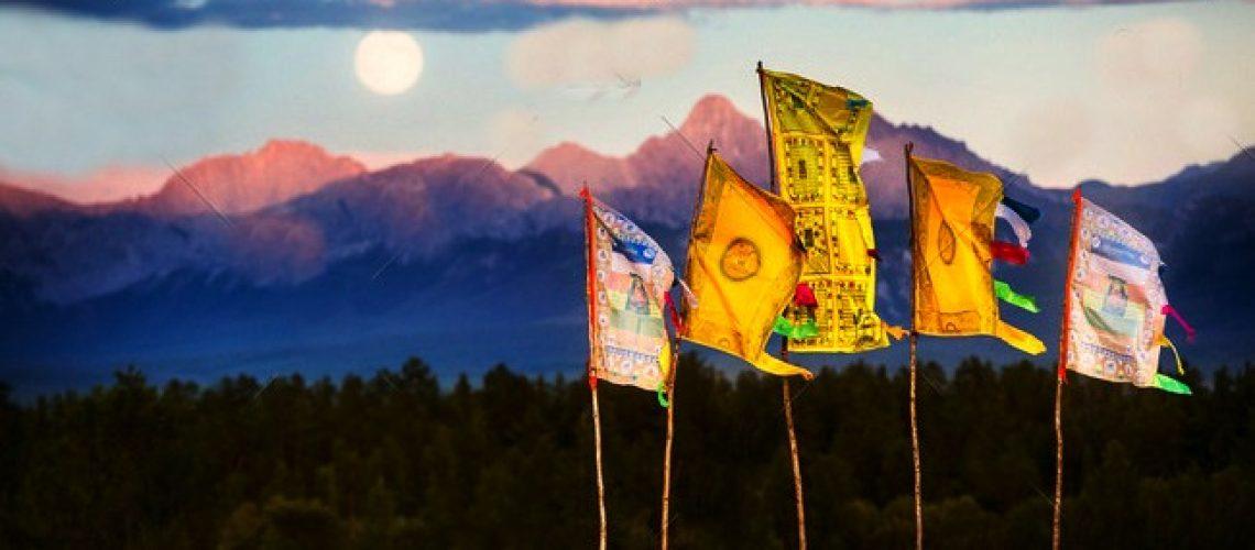 Full Moon Prayer Flag (1)